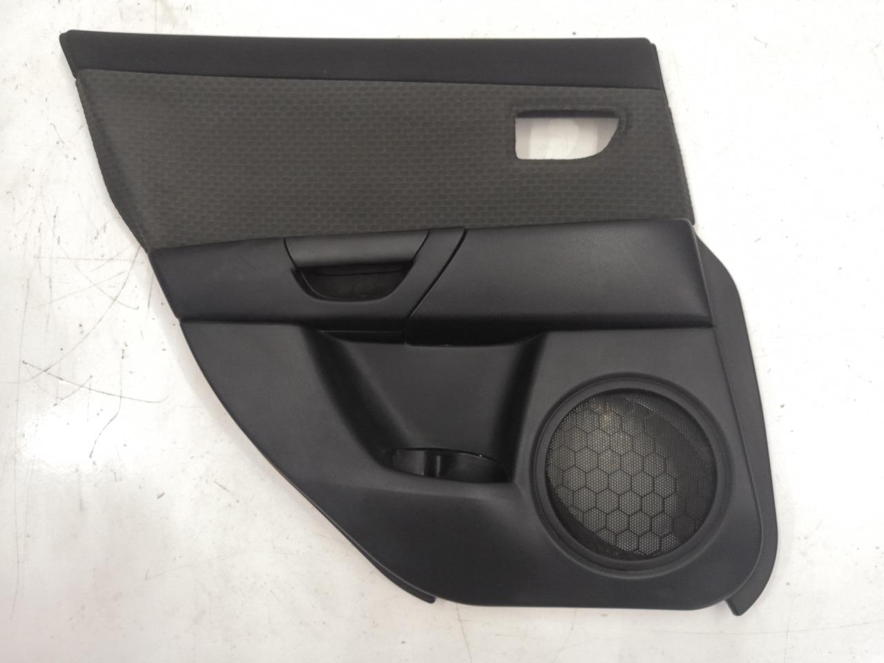 Обшивка двери Mazda Axela BK3P задняя левая
