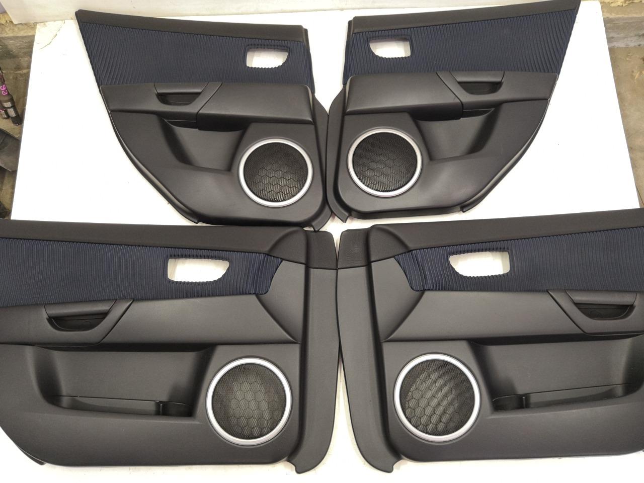 Обшивки дверей Mazda Axela BK3P