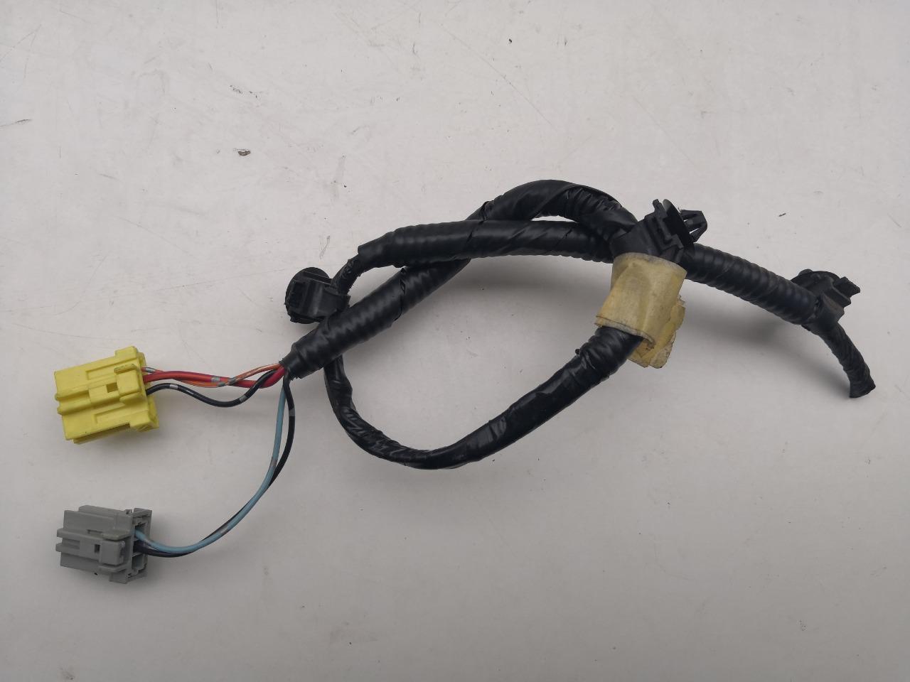 Разъем стоп-сигнала Mazda Axela BK