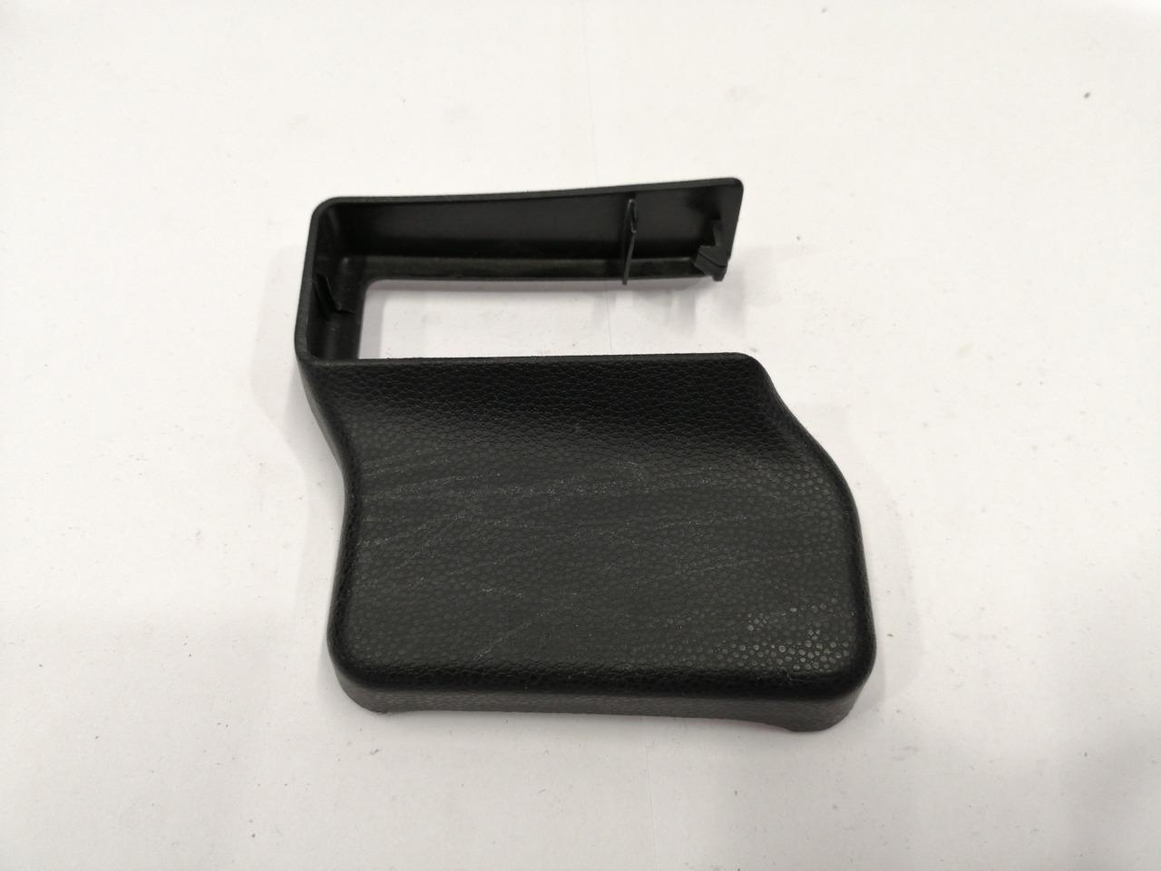 Накладка крепления сидения Mazda Axela BK3P