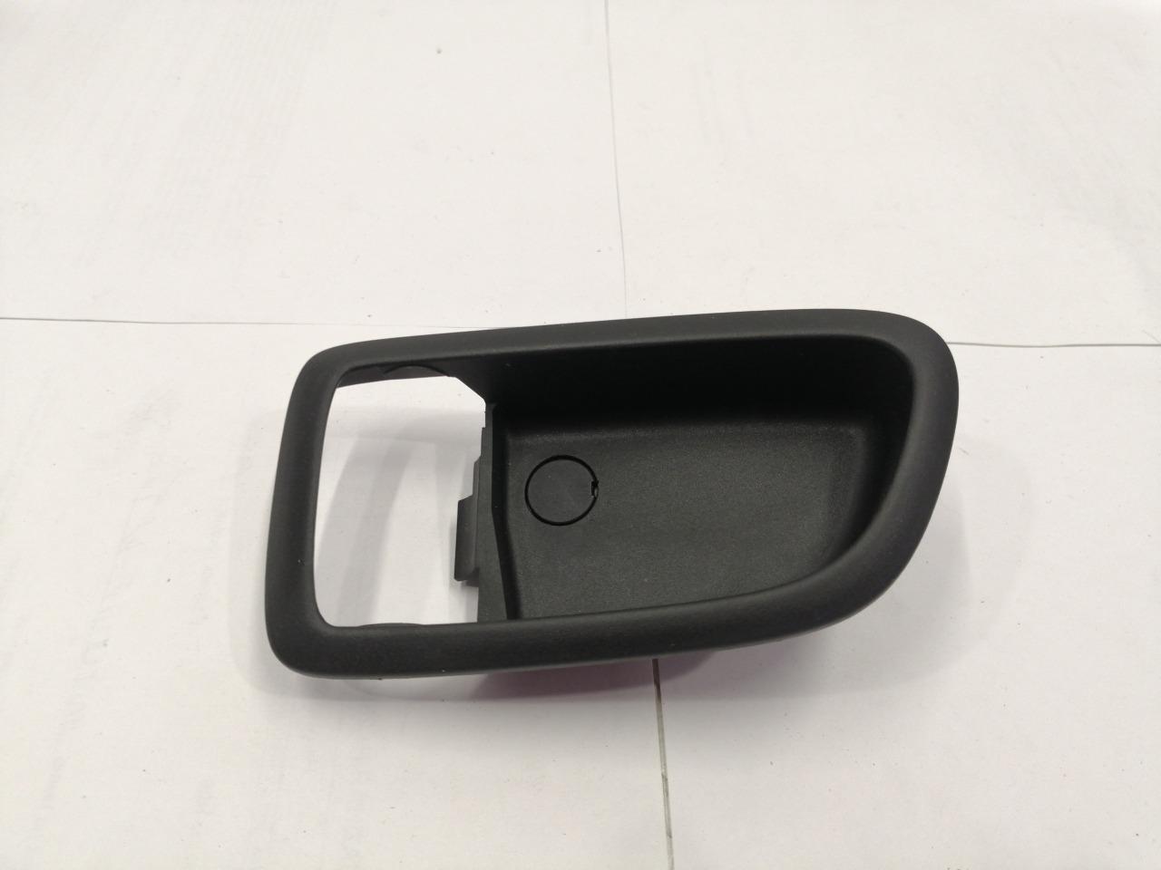 Накладка ручки внутренней Mazda Axela BK3P задняя левая