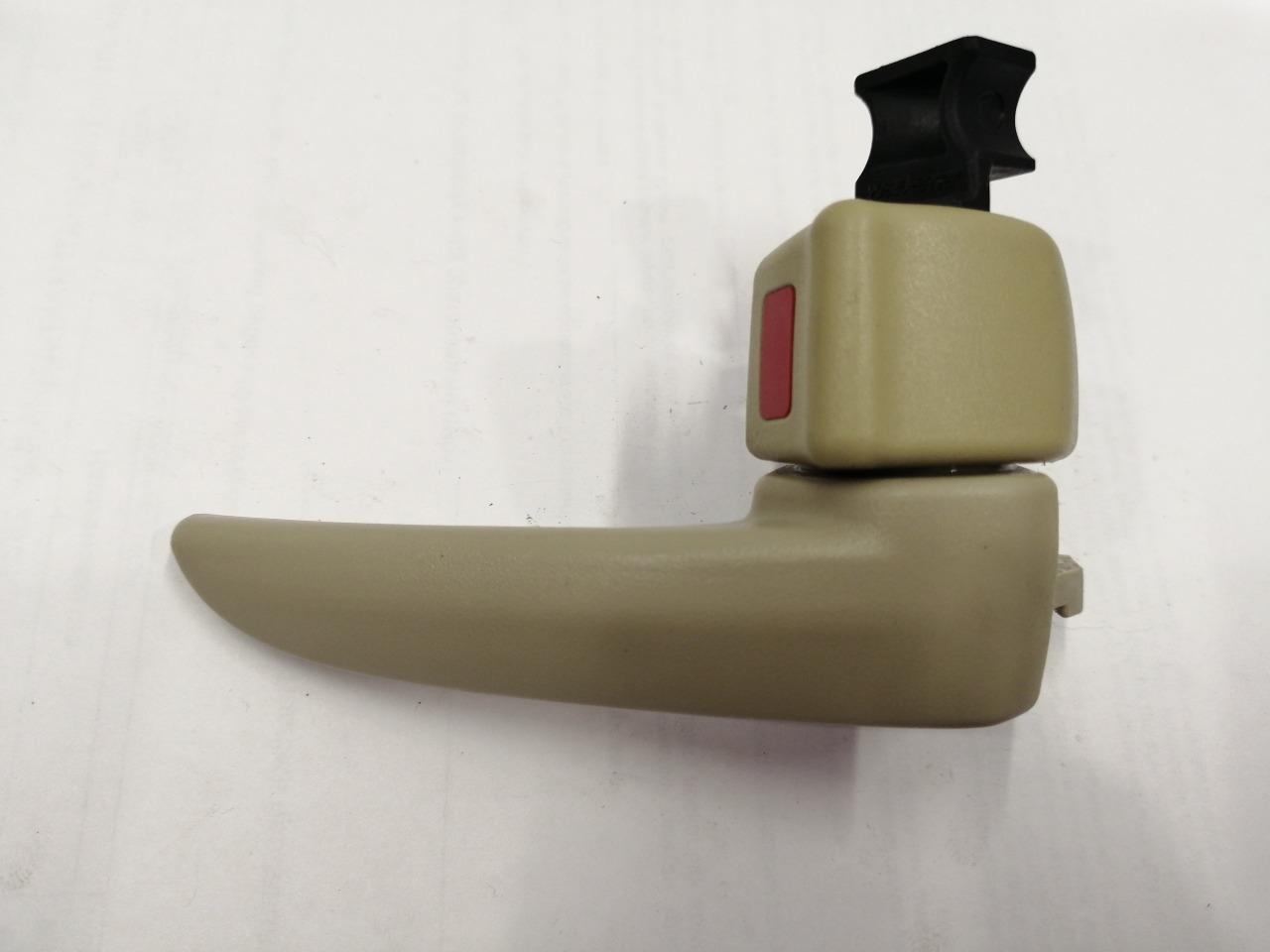 Ручка двери внутренняя Mazda Axela BK3P правая