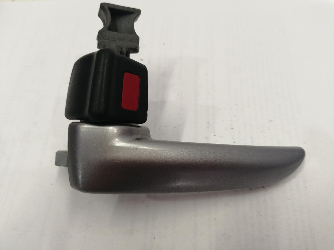 Ручка двери внутренняя Mazda Axela BK3P левая