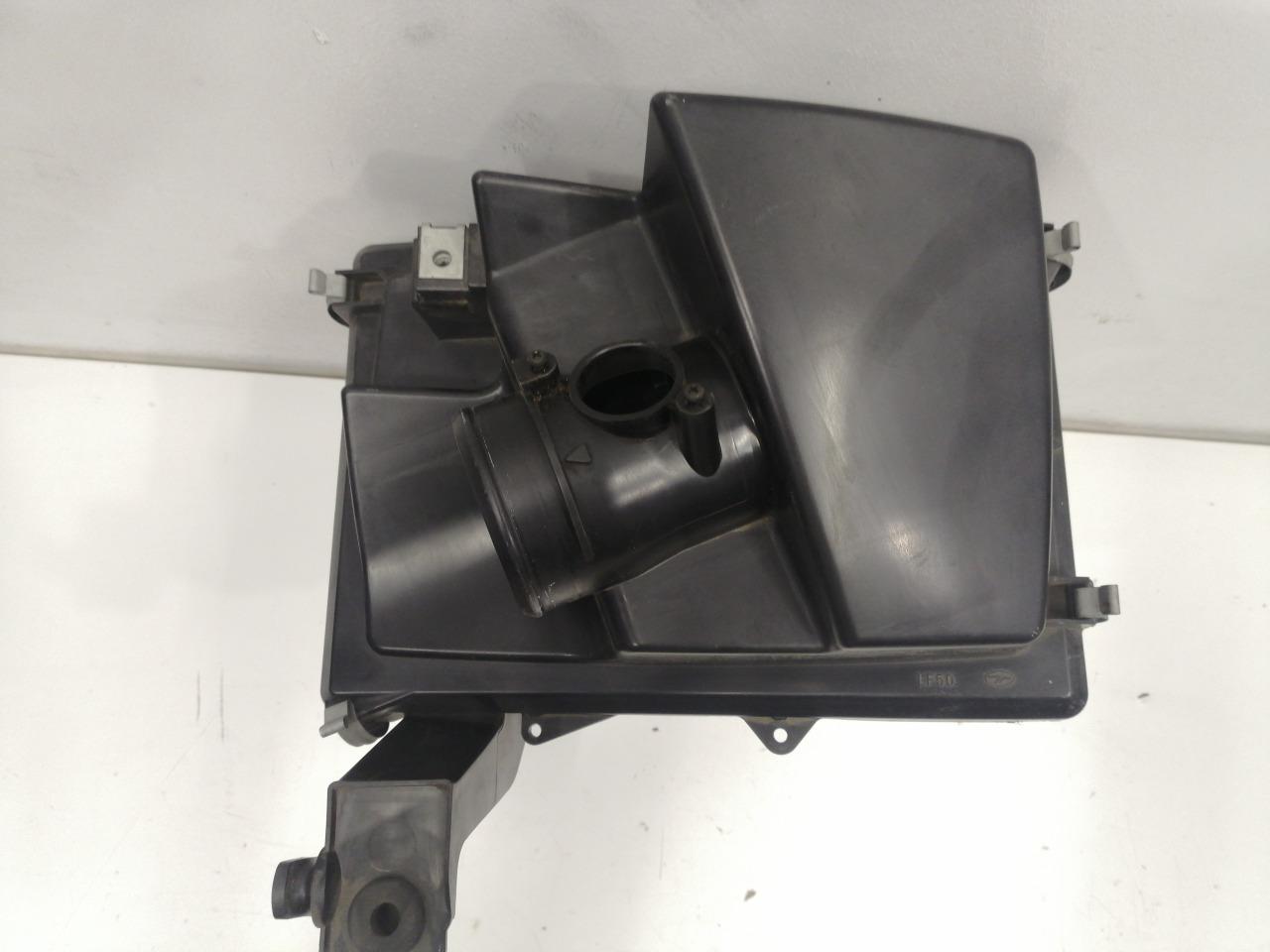 Корпус воздушного фильтра Mazda Axela BK3P LFVDS