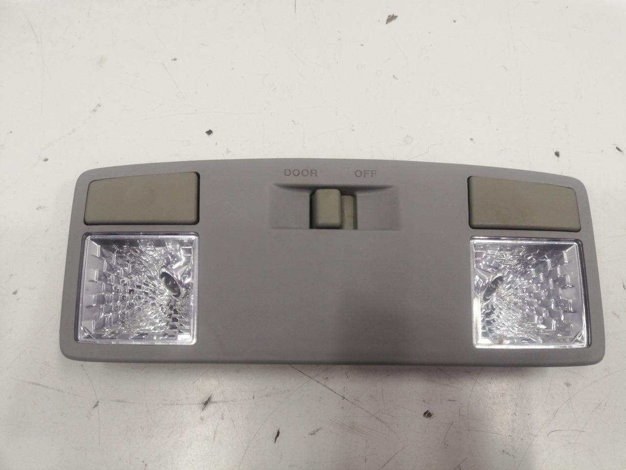 Плафона подсветки бардачка Mazda Axela BK3P 2003