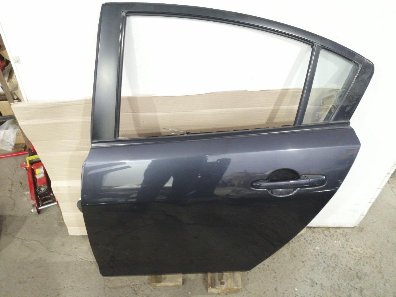 Дверь Mazda Axela BK3P 2003 задняя левая