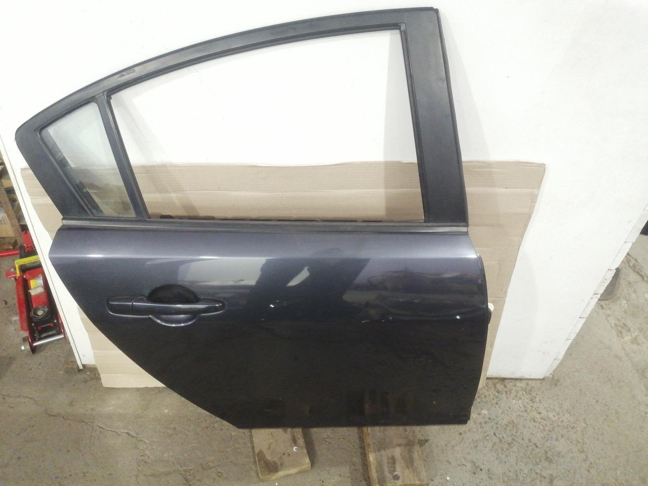Дверь Mazda Axela BK3P 2003 задняя правая