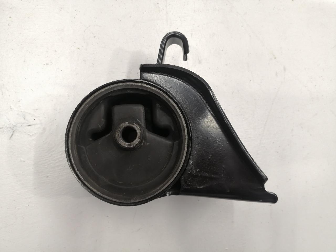Опора двигателя Mazda Capella GF8P задняя