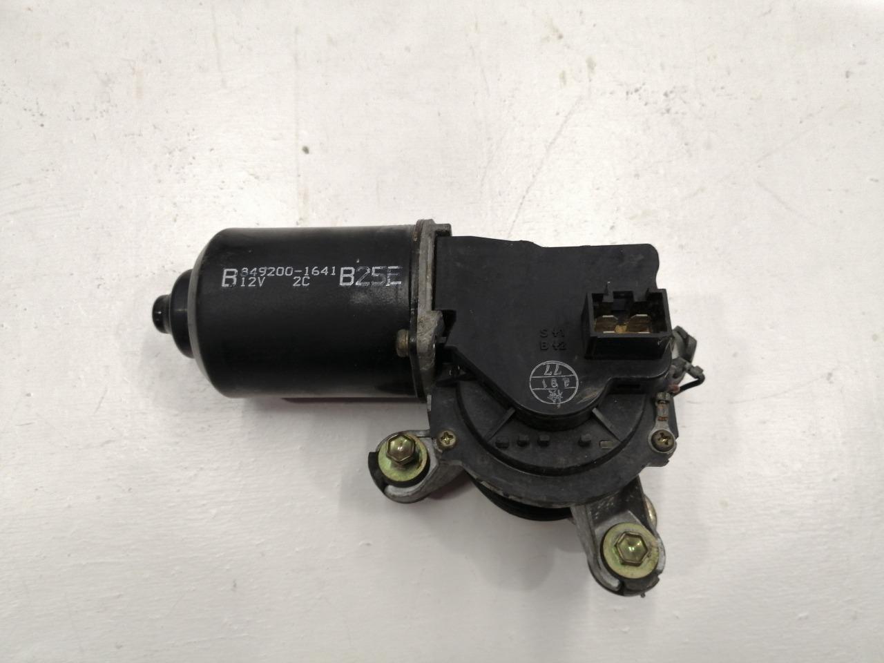 Мотор стеклоочистителя Mazda Familia BJ3P 1998