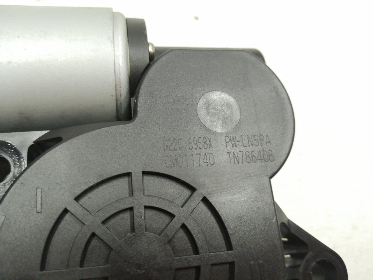 Мотор стеклоподъемника Mazda Atenza Sport GY3W 2003 передний левый