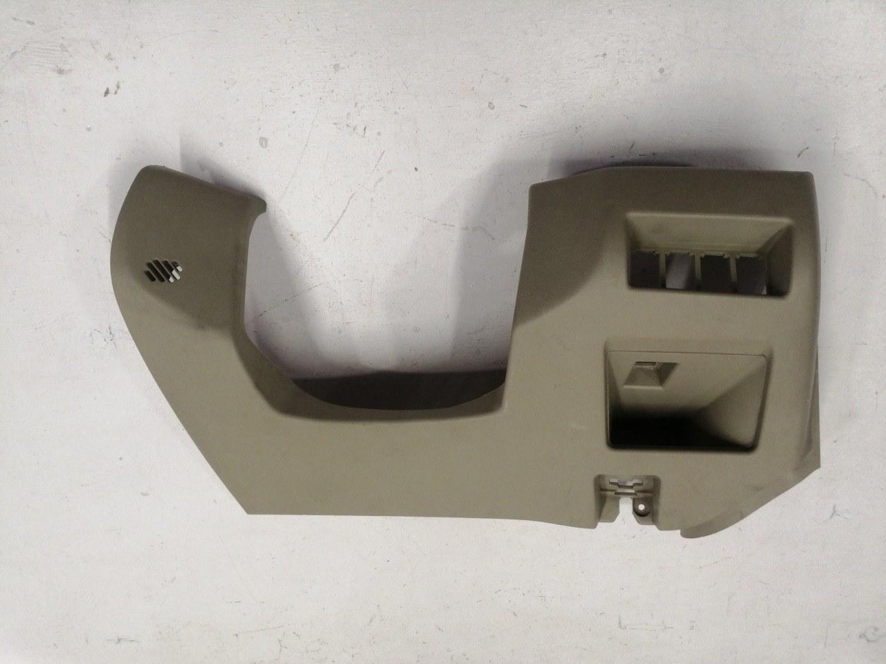 Накладка панели под рулем Mazda Axela BK3P 2003 передняя правая нижняя