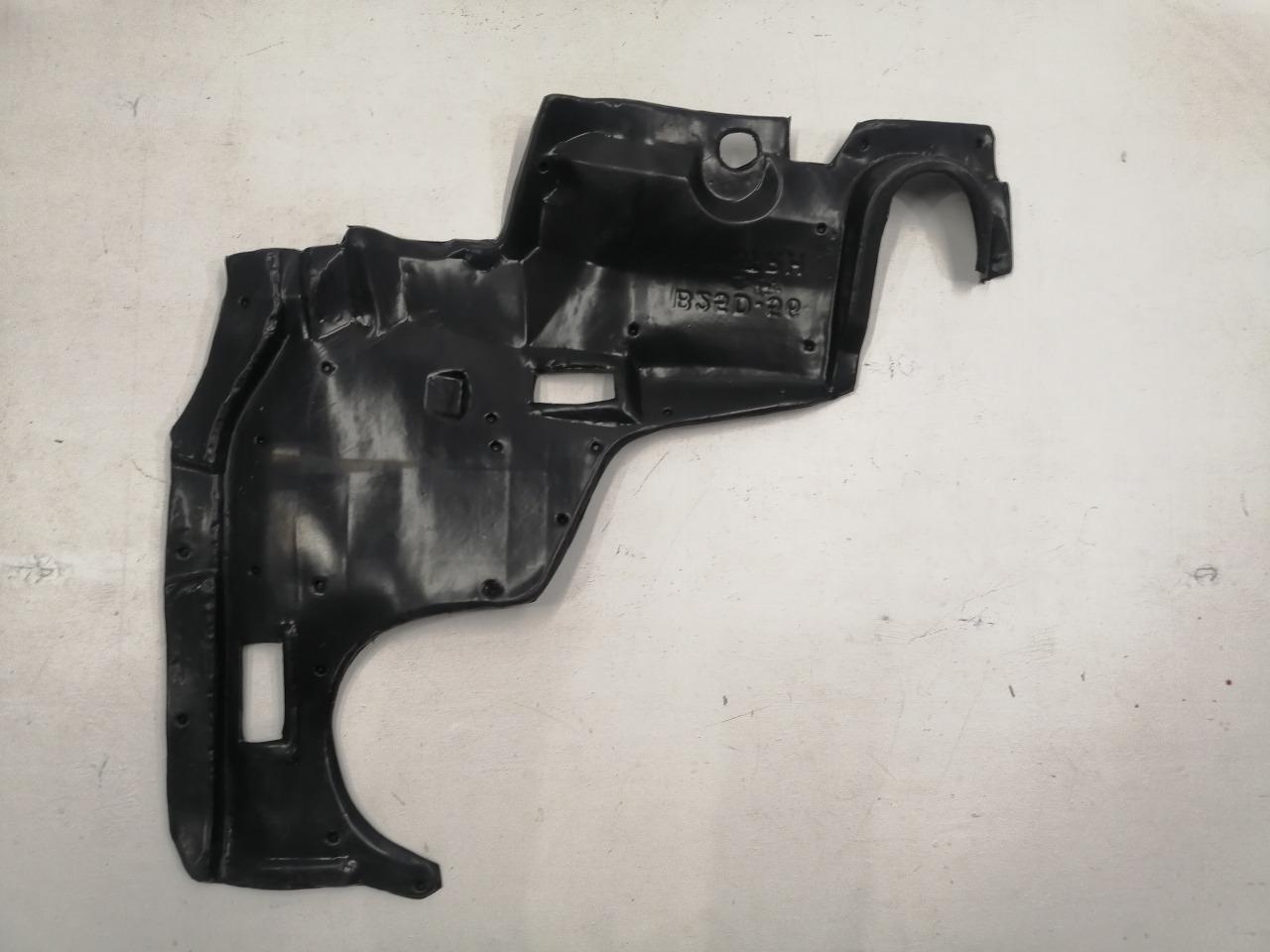 Защита двигателя Mazda Familia BJ 1998 правая