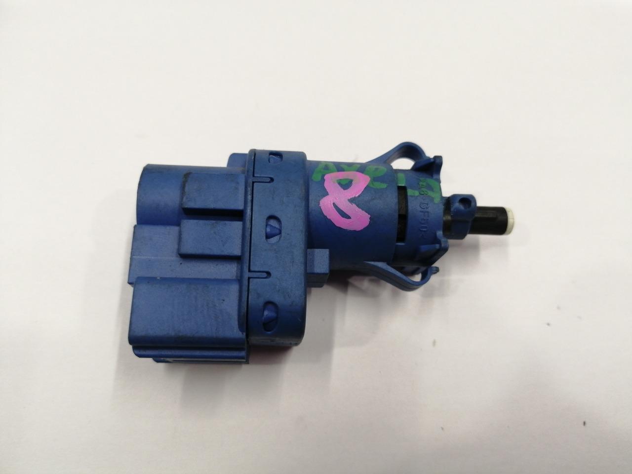 Концевик педали тормоза Mazda Axela BK3P 2003