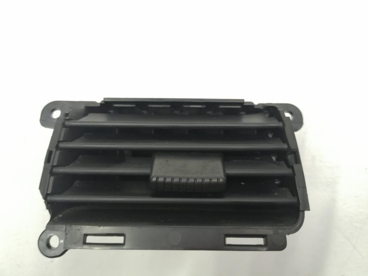 Дефлектор отопителя Mazda Axela BK3P 2003 левый