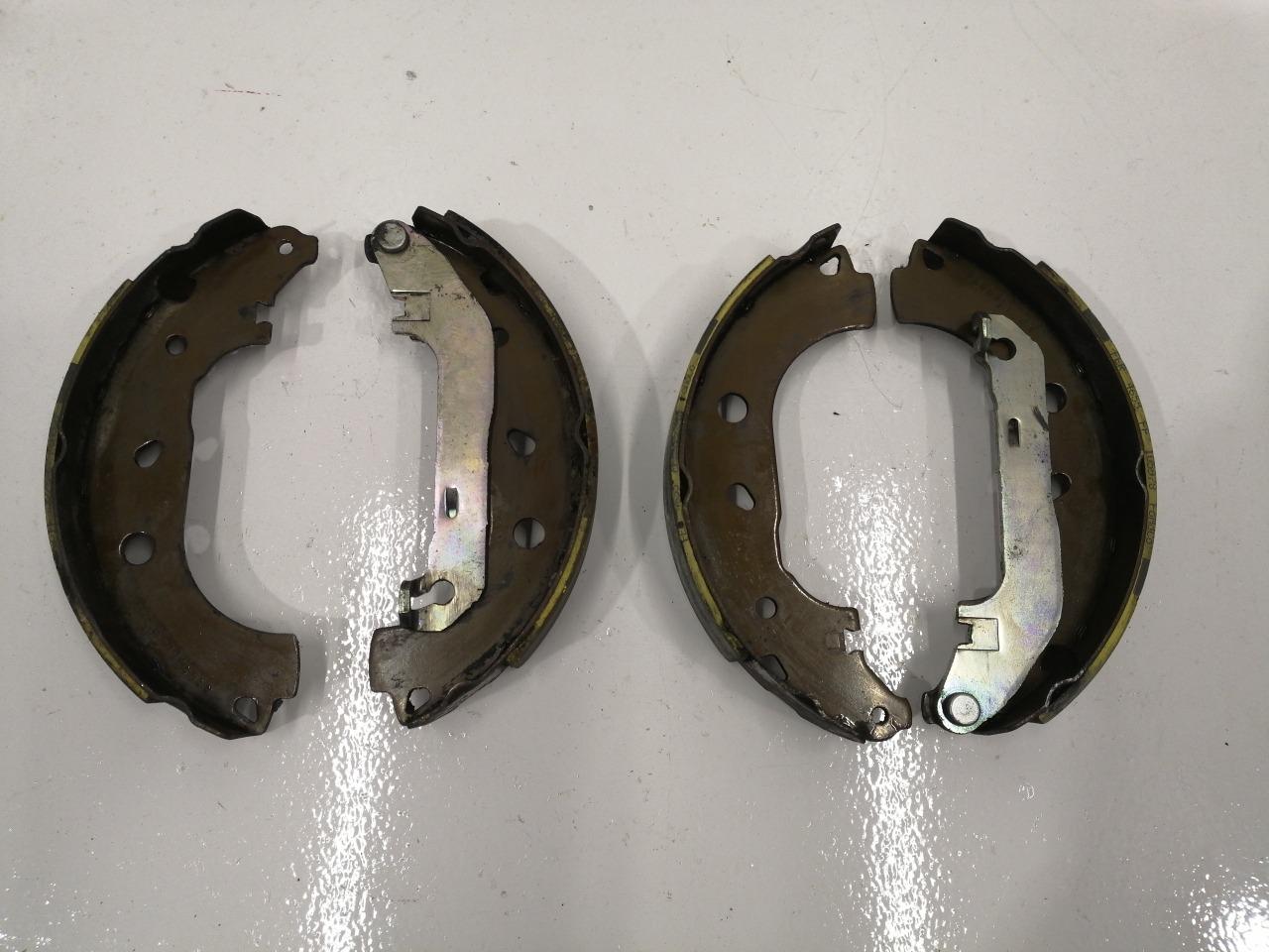 Колодки тормозные Mazda Axela BK5P задние