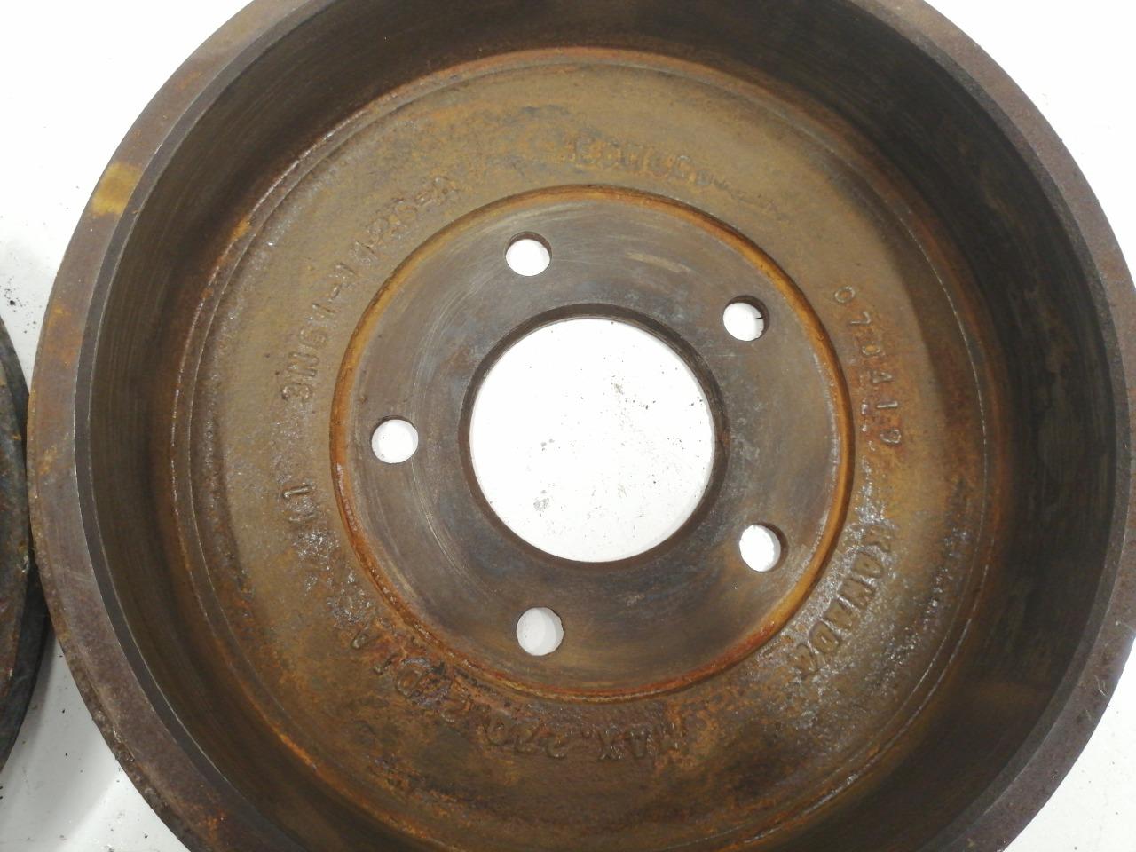 Барабаны тормозные Mazda Axela BK5P задние