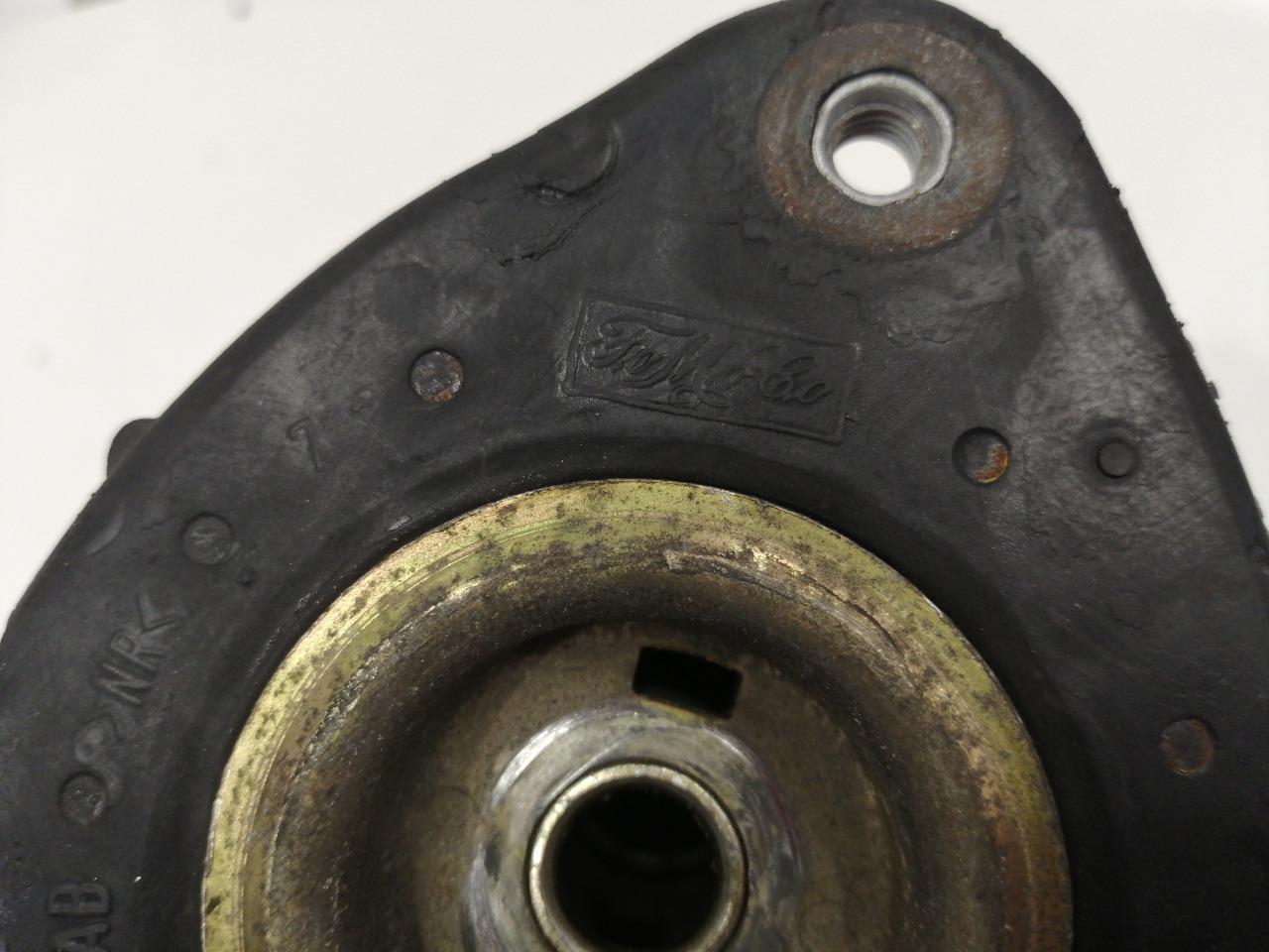 Опора стойки с подшипником Mazda Axela BK