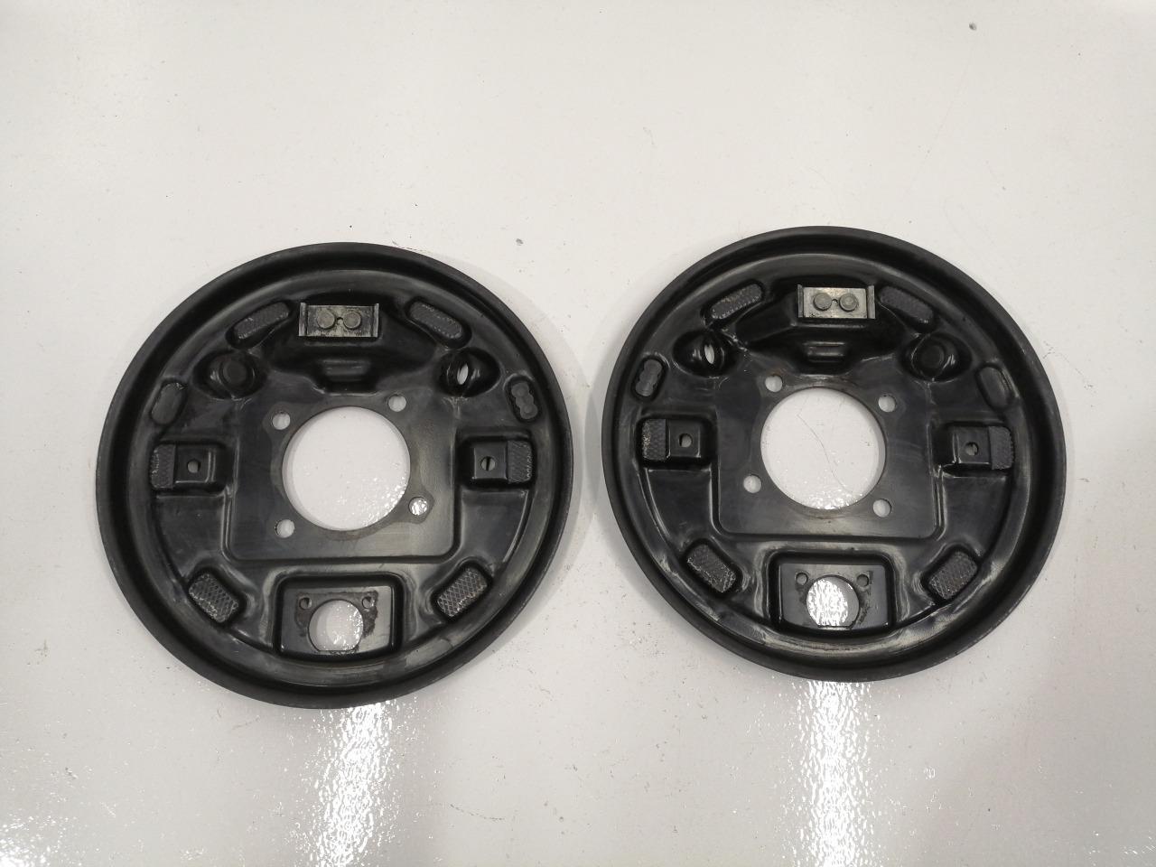 Пыльник тормозного диска Mazda Axela BK5P задний
