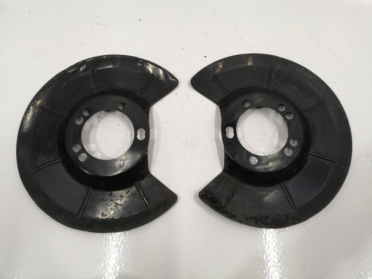 Пыльник тормозного диска Mazda Biante CC3FW задний