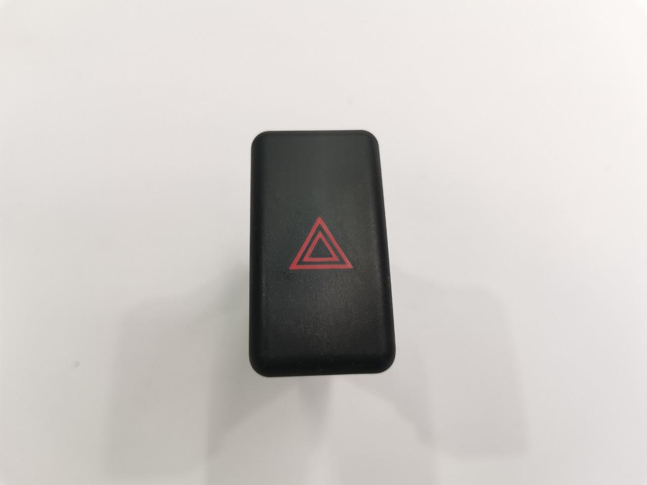 Кнопка аварийной сигнализации Mazda Axela BK3P 2003