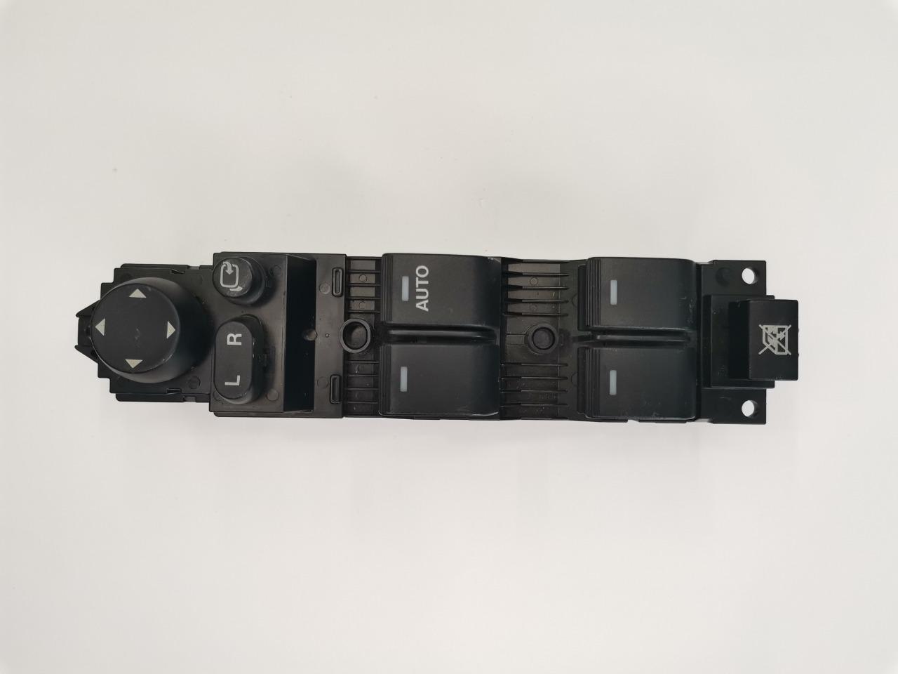 Блок управления стеклоподъемниками Mazda Atenza GH передний правый