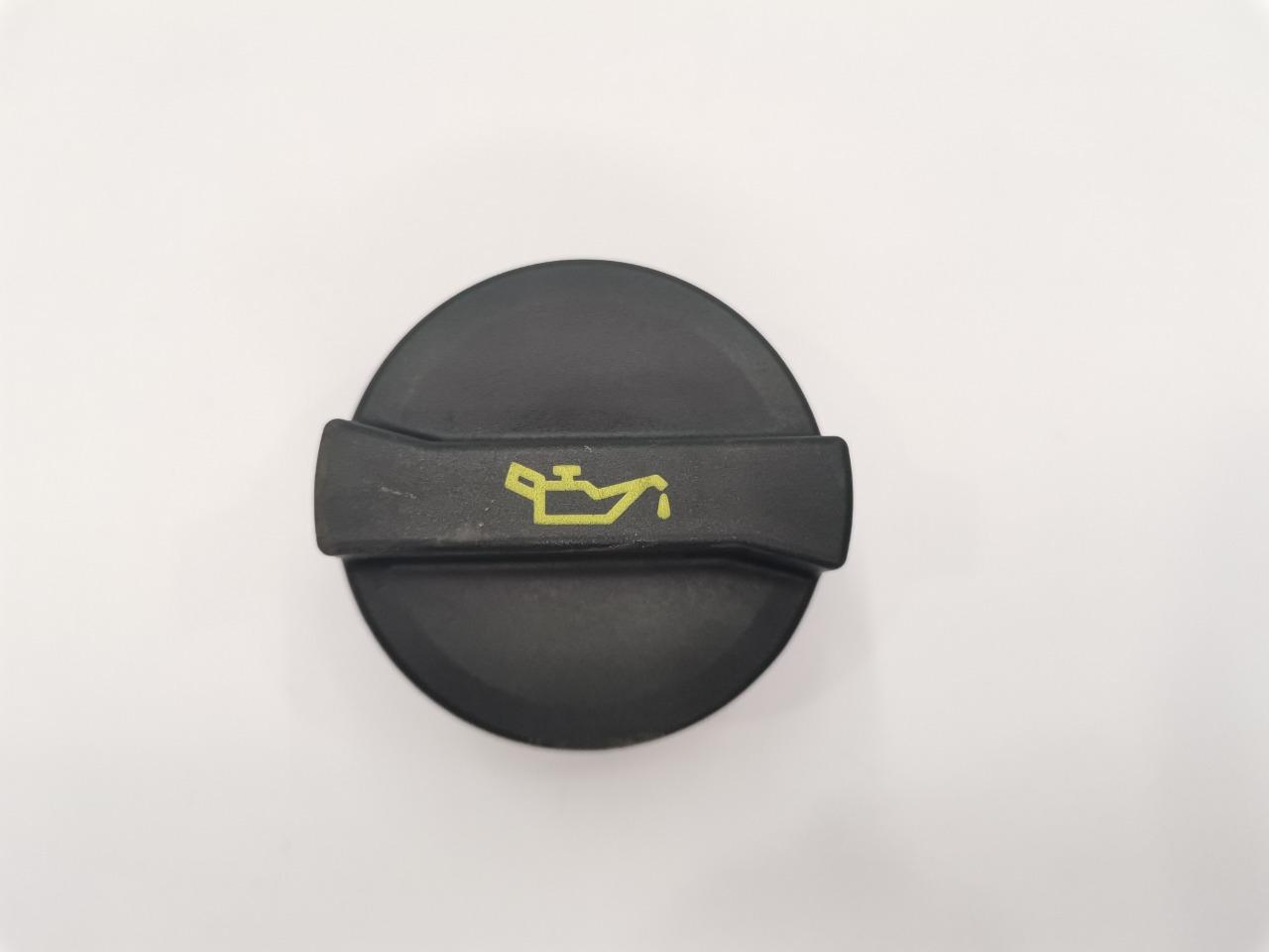 Крышка маслозаливной горловины Mazda Mazda6 GHEFW LF