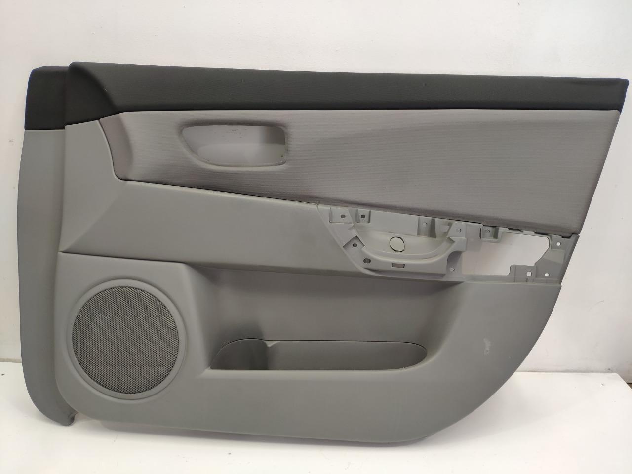 Обшивка двери Mazda Axela BK3P 2003 передняя правая