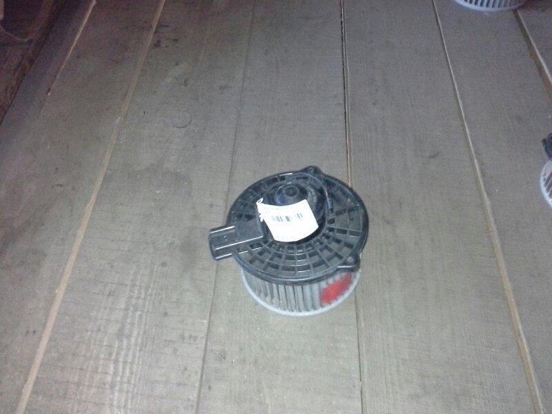 Вентилятор печки Mazda Verisa DC5R ZY-VE