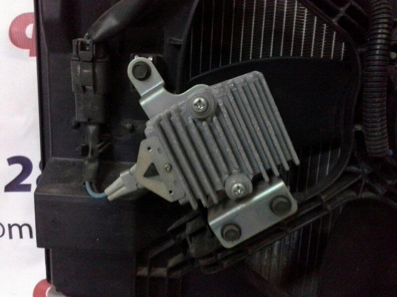 Блок управления вентилятором охлаждения Nissan Bluebird Sylphy KG11 MR20DE передний