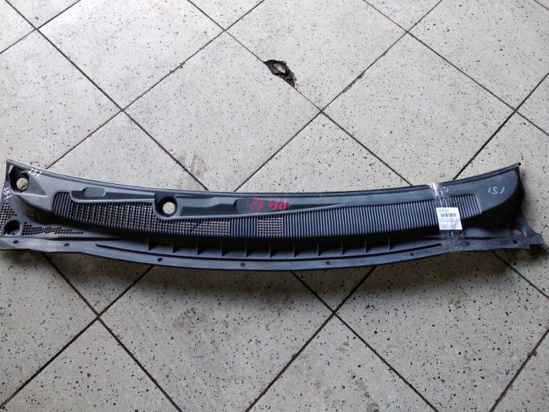 Решетка под лобовое стекло Nissan Liberty RM12 QR20DE