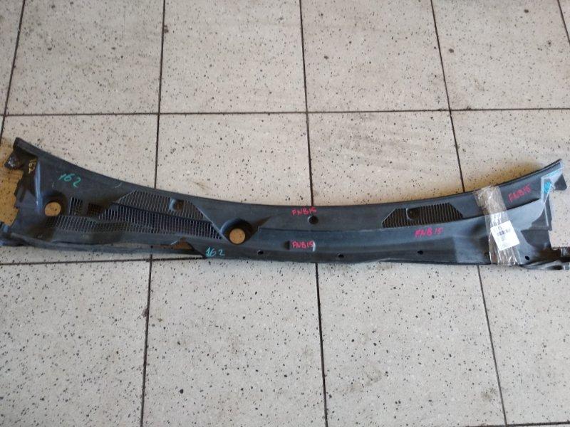 Решетка под лобовое стекло Nissan Sunny FNB15 QG15DE