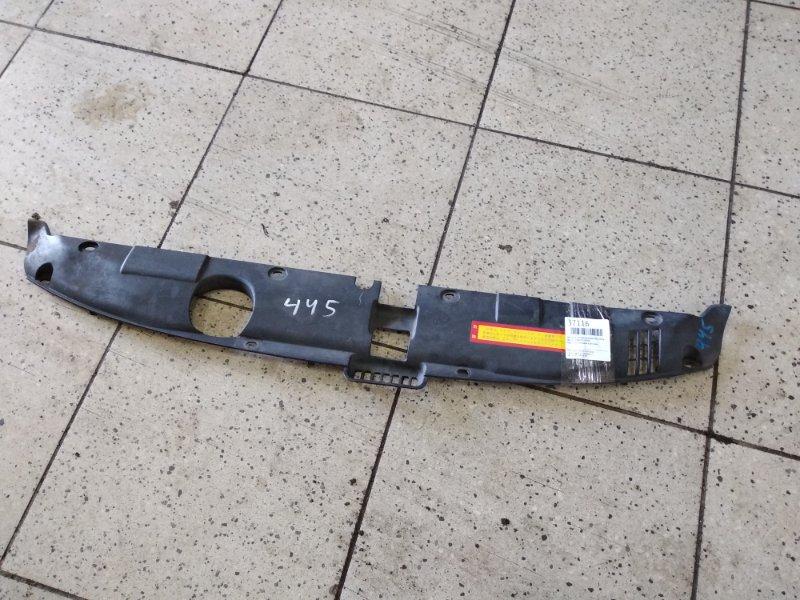 Накладка на решетку радиатора Honda Stream RN1 D17A передняя
