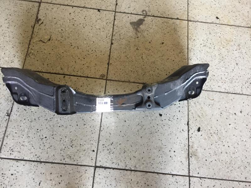 Балка поперечная Toyota Progres JCG10 1JZ-GE передняя