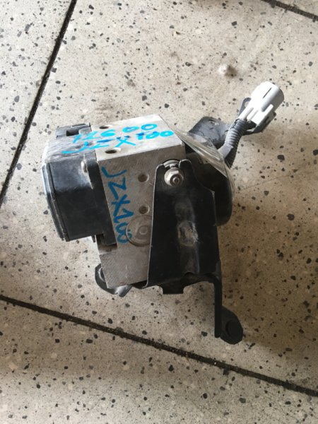 Блок abs Toyota Chaser JZX100 1JZ-GE