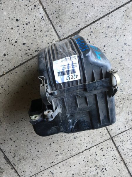 Корпус воздушного фильтра Toyota Raum EXZ10 5E-FE
