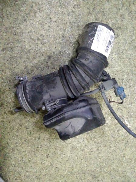 Патрубок воздушного фильтра Toyota Carina AT211 7A-FE