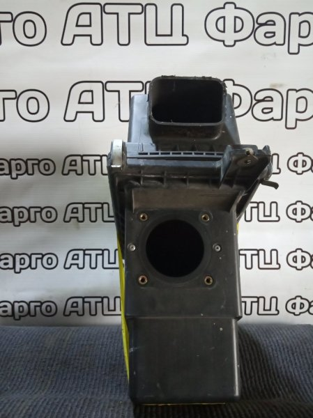 Корпус воздушного фильтра Nissan Presage TU30 QR25DE