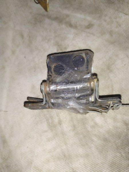 Петля крышки багажника Honda Stepwgn RF2 B20B