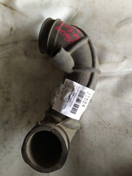 Патрубок воздушного фильтра Toyota Ist NCP60 2NZ-FE