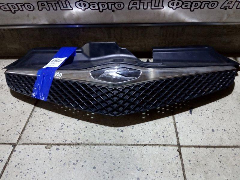 Решетка радиатора Toyota Ractis NCP100 1NZ-FE передняя