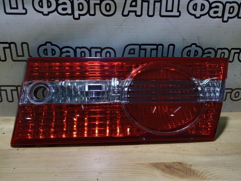 Фонарь вставка багажника Toyota Vista SV50 3S-FSE задний правый