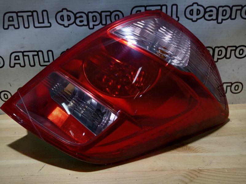 Фонарь стоп-сигнала Toyota Ractis NCP105 1NZ-FE задний правый