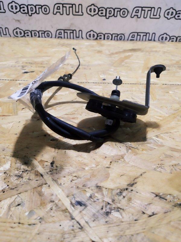 Трос газа Nissan Tino V10 QG18DE