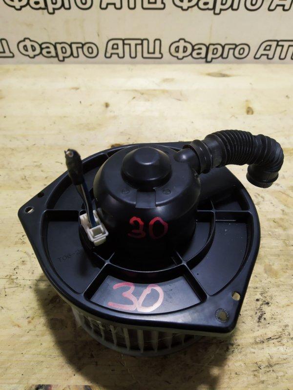 Вентилятор печки Nissan Liberty PM12 SR20DE