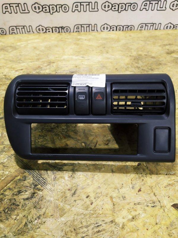 Дефлектор воздушный Nissan Rnessa N30 SR20DE