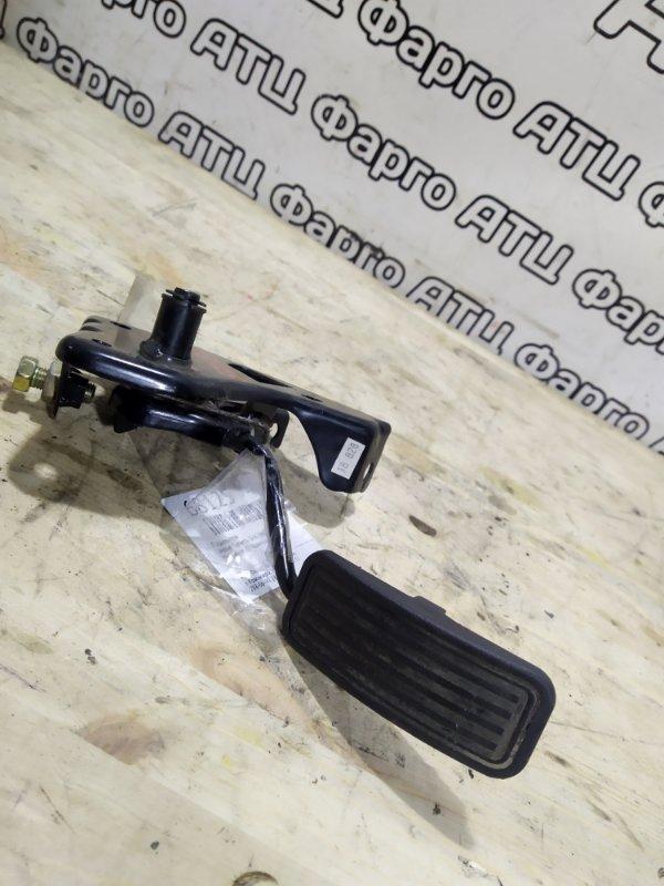 Педаль газа Nissan Vanette SK82VN F8