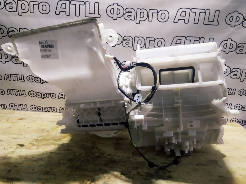 Корпус вентилятора отопителя Toyota Aqua NHP10 1NZ-FXE