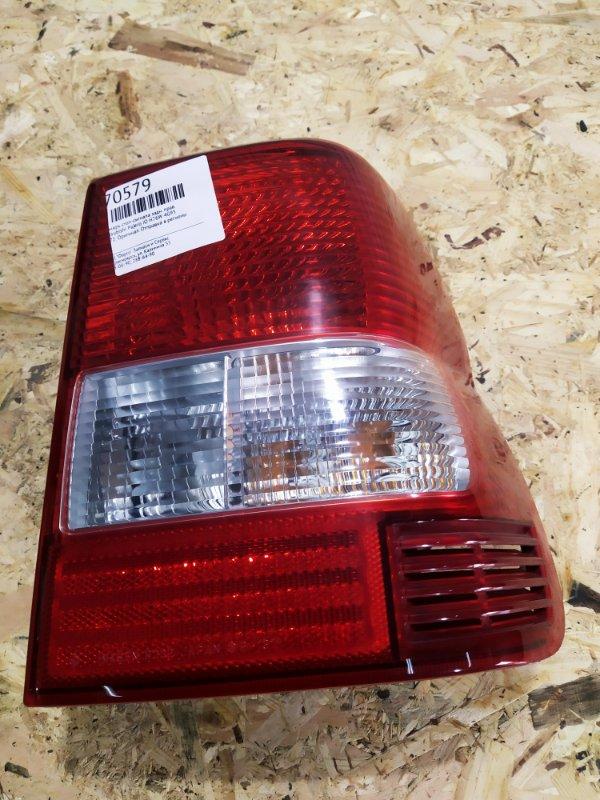 Фонарь стоп-сигнала Mitsubishi Pajero Io H76W 4G93 задний правый