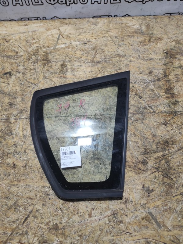 Стекло собачника Toyota Opa ZCT10 1ZZ-FE заднее правое