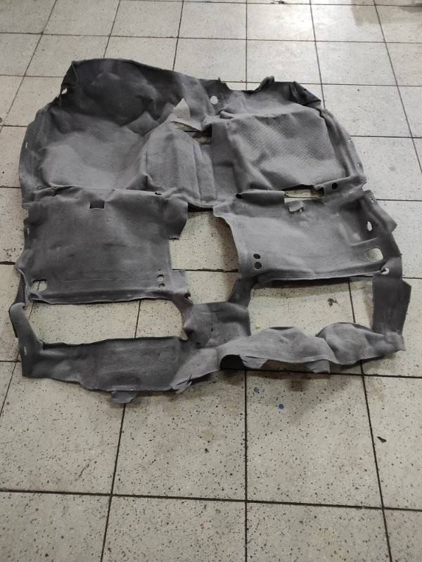 Обшивка пола Nissan Tino V10 QG18DE
